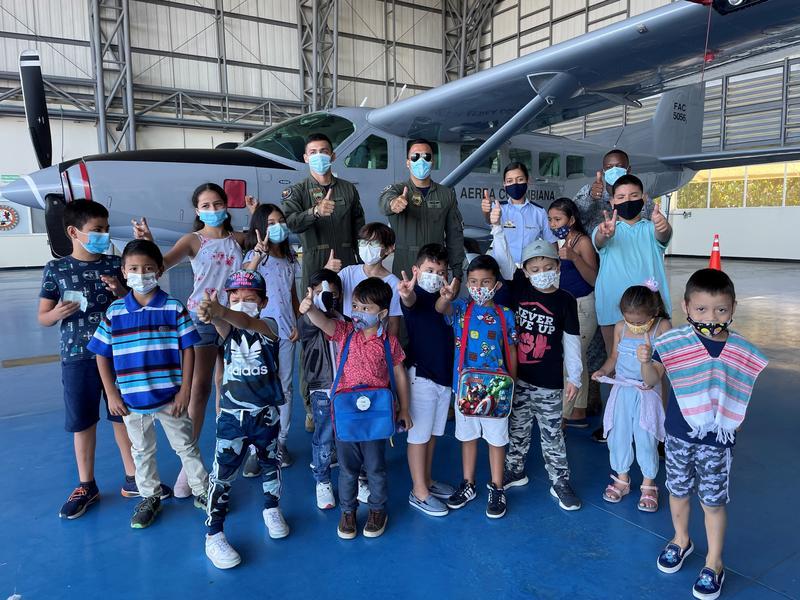 Niños y niñas del Amazonas disfrutaron las vacaciones con su Fuerza Aérea Colombiana