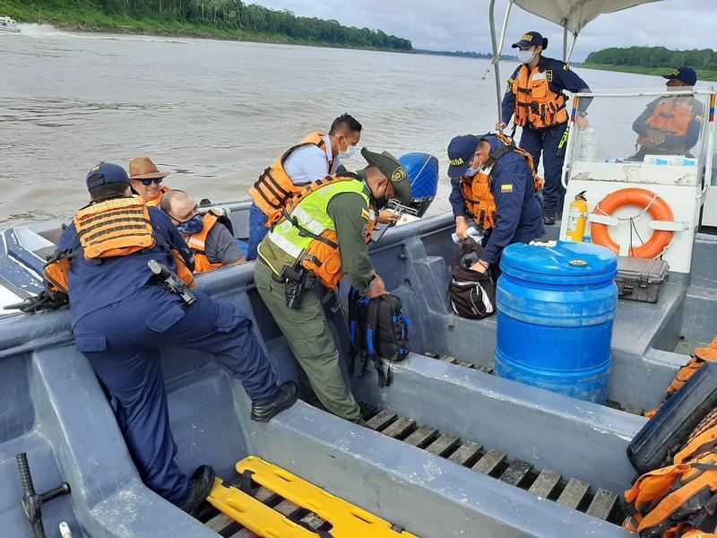POLICÍA Y ARMADA NACIONAL, AÚNAN ESFUERZOS CONTRA EL TRÁFICO DE FLORA Y FAUNA EN EL AMAZONAS