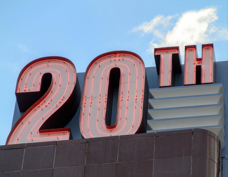 20 años del Efecto 2000, uno de los primeros grandes retos de la ciberseguridad