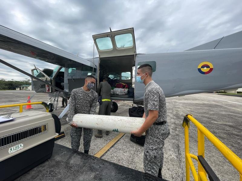 Su Fuerza Aérea brindó apoyo aéreo para beneficiar a la población de La Pedrera en el Amazonas