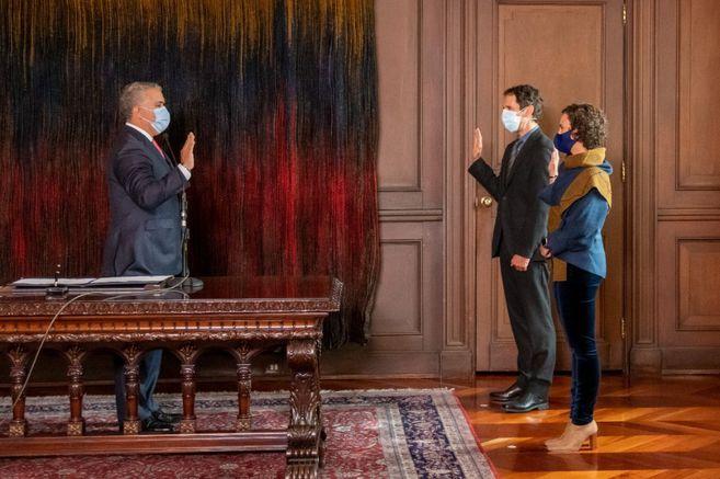 Bibiana Taboada y Mauricio Villamizar se posesionaron como codirectores del Banco de la República
