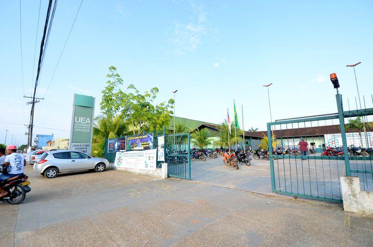 Consuniv decide suspender atividades da UEA até dia 17 de janeiro