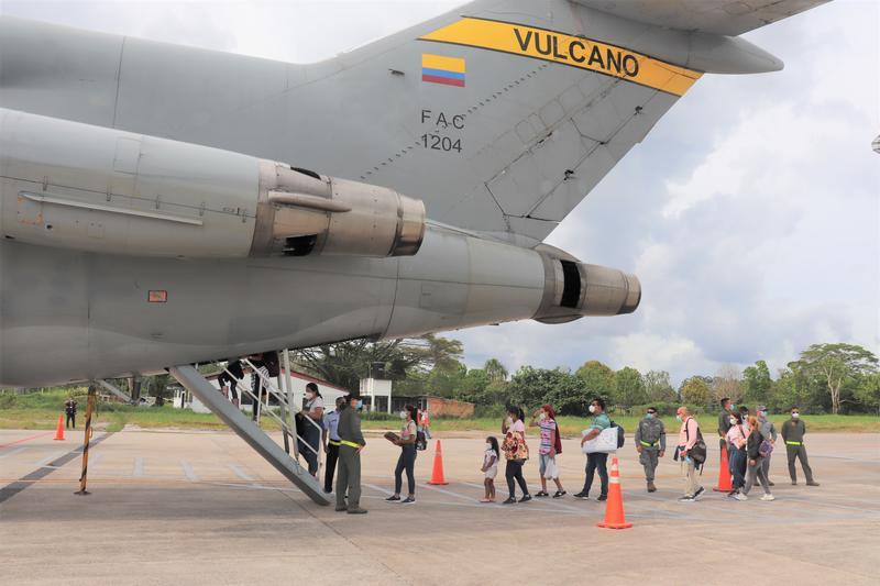 Vuelo humanitario de su Fuerza Aérea Colombiana entre Bogotá y Amazonas