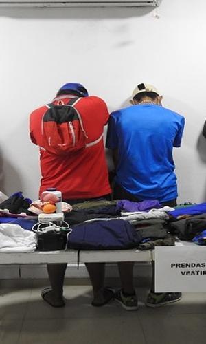 CAPTURAMOS A DOS SUJETOS POR EL DELITO DE HURTO EN EL BARRIO LA ESPERANZA