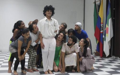 Personas en obra de teatro