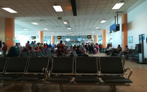 Sala de espera del Aeropuerto Internacional Jorge Chavez