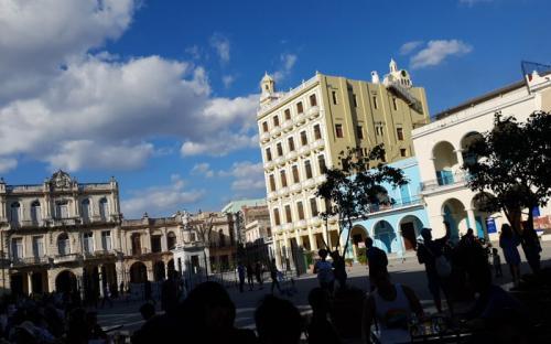 Edificio en la Habana vieja de Cuba