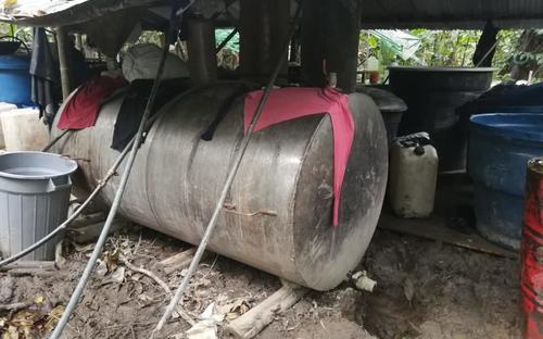 Fuerza pública destruye laboratorio con capacidad de procesar más de cuatro toneladas de cocaína al mes