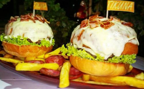 Dos hamburguesas