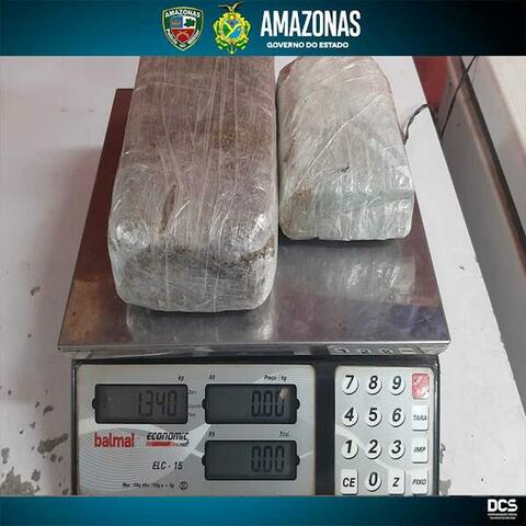 PMAM detém três pessoas com mais de um quilo de maconha