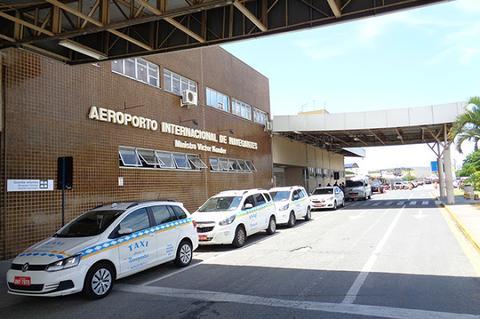 Suspende 6ª rodada de concessão de aeroportos
