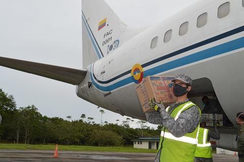 Aviones de su Fuerza Aérea continúan realizando vuelos humanitarios al Amazonas