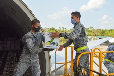 36 toneladas de alimentos fueron transportados en vuelo humanitario de su Fuerza Aérea hasta Leticia