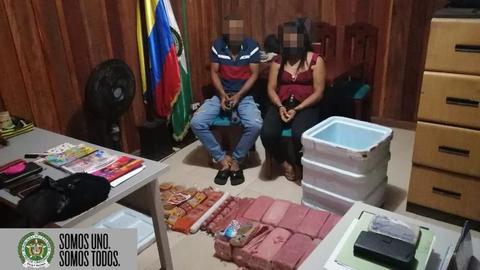 POLICÍA CAPTURA EN FLAGRANCIA PAREJA, QUIENES PRETENDÍAN INGRESAR AL MUNICIPIO 9.600 KG DE ESTUPEFACIENTE