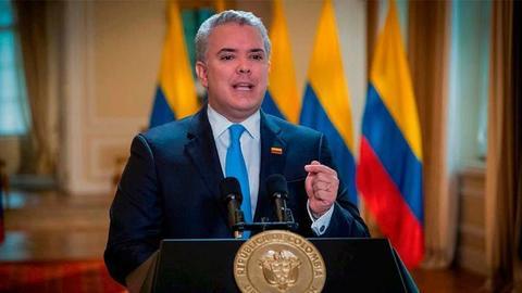 Presidente Duque firma la cadena perpetua para violadores de niños