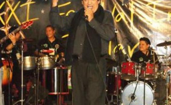 Canta Autor en un concierto