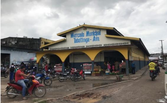 Na frente de Mercado Municipal Tabatinga