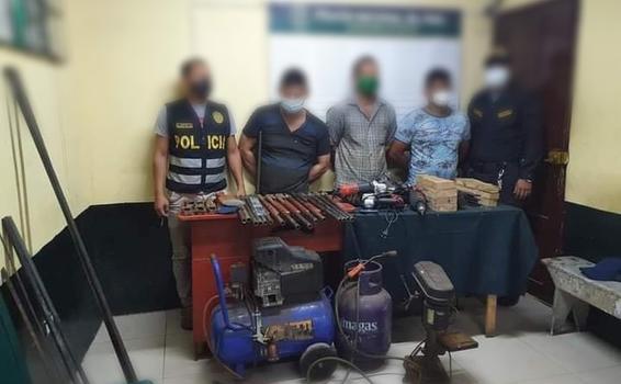 image for Tres sujetos intervenidos por presunto delito contra la seguridad pública