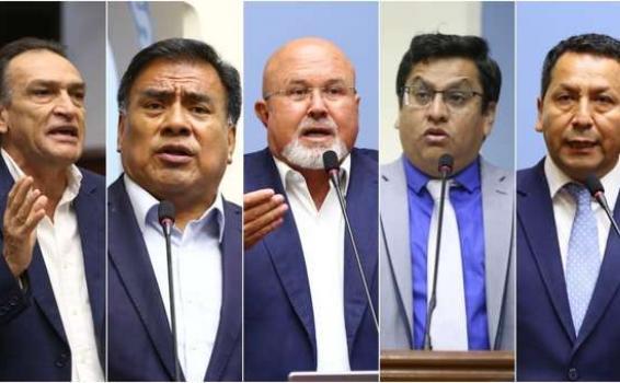 Congresistas en un foto