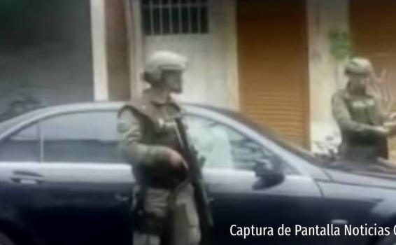 Personal del ejercito en captura con la policia
