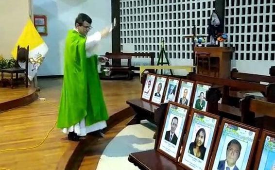 image for Misa en conmemoración a maestros fallecidos por Covid-19