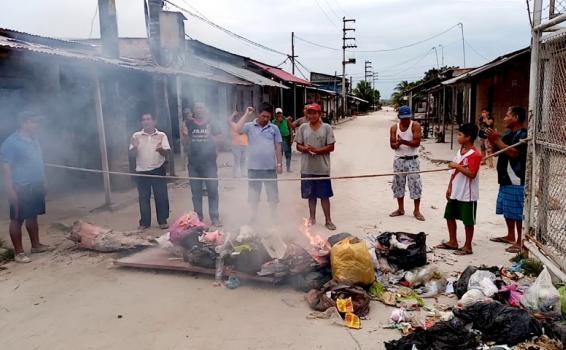 image for Trabajadores de la obra levantamiento de rasante exigen su pago