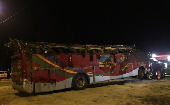 image for 10 mortos em acidente com ônibus em rodovia