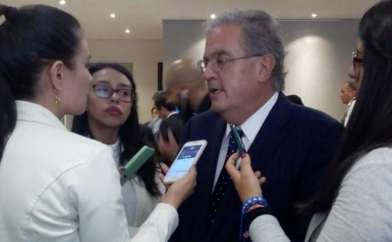 Persona siendo entrevistada