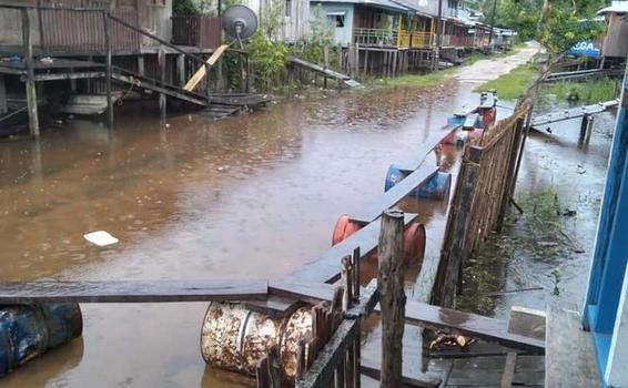 image for Zona del puerto en Tarapacá alcanzada por el río