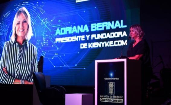 Adriana Bernal en la inauguración del Premio Nacional de Periodismo Digital