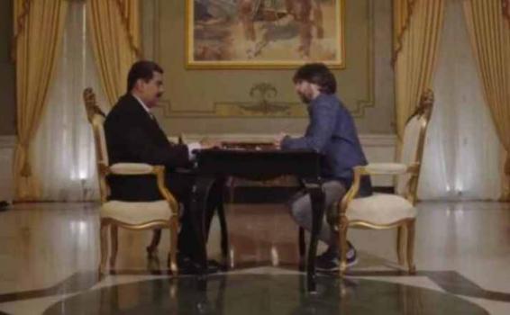 Nicolas Maduro hablando con periodista Jordi Evole