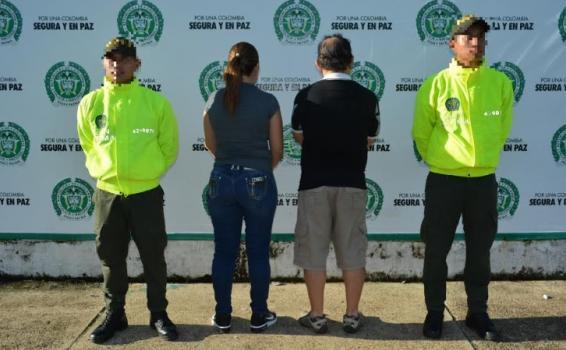 Cuatro personas en una foto de judializacion