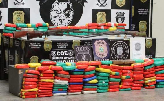 image for Dois homens foram presos transportando 260 quilos de drogas