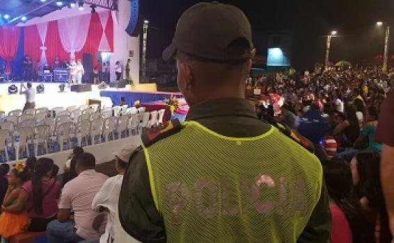 POLICÍA AMAZONAS AL FRENTE DEL COMPROMISO CIUDADANO DURANTE LA VERSIÓN XXXII DEL FESTIVAL INTERNACIONAL DE LA CONFRATERNIDAD AMAZÓNICA