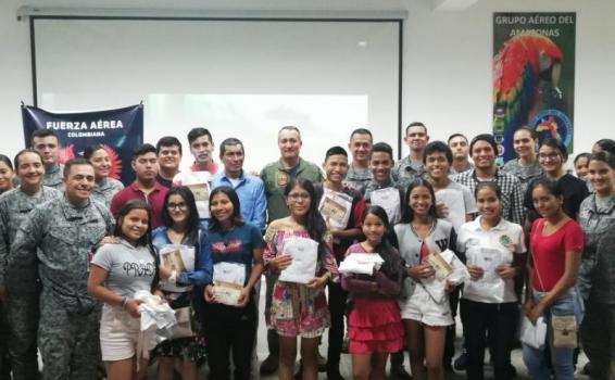 60 jóvenes músicos reciben dotación por parte del Grupo Aéreo del Amazonas