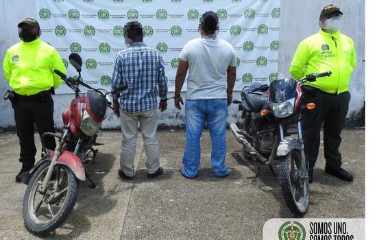 POLICIA CAPTURA A DOS PERSONAS, POR EL DELITO DE FALSEDAD MARCARIA
