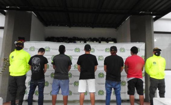 MEDIANTE REGISTRO Y ALLANAMIENTO, POLICÍA EFECTÚO 03 CAPTURAS Y 02 APREHENSIONES