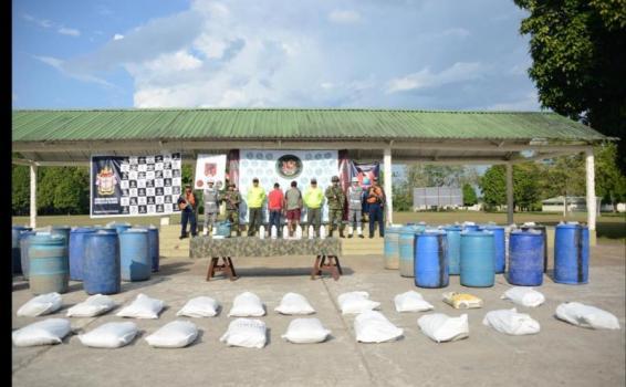 Incautación de insumos para la producción de sustancias ilícitas en el Amazonas