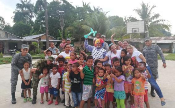 Niños del Amazonas comparten su talento con la Fuerza Aérea Colombiana