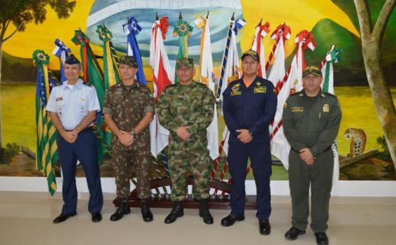 Fuerzas Militares y Policía Nacional Izan el Pabellón en la triple frontera