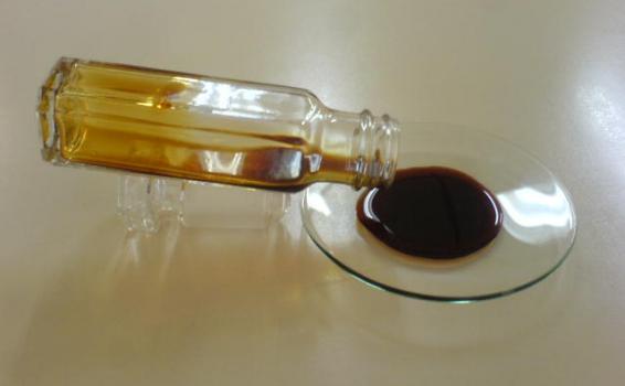 Frasco de aceite de chontaduro