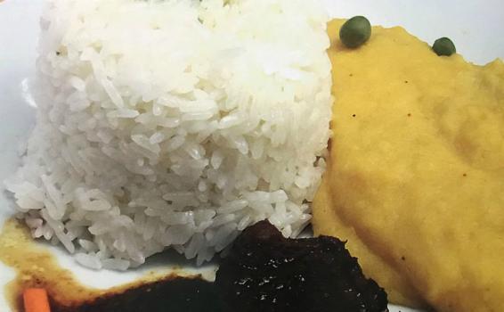 Comida servida en un plato
