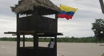 Comunidades por el rio Amazonas colombiano