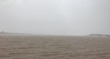 Rio Amazonas proximo a una tormenta