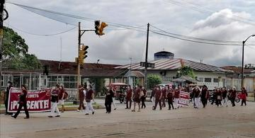 image for Trabajadores del sector salud Loreto protestan / DIRESA
