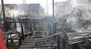 image for Incêndio destruiu uma casa nessa madrugada
