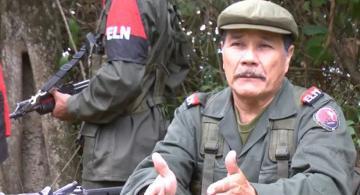 Nicolás Rodríguez del ELN en una entrevista en la selva