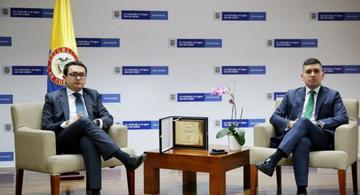 image for Ministerio de Vivienda recibe Pergamino de Honor de ONU-Hábitat