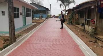 image for Avanza  vía peatonal en la comunidad  de Macedonia