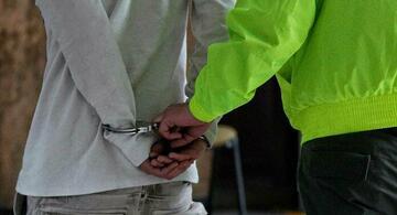 image for Detienen a sujeto con granadas y un arma